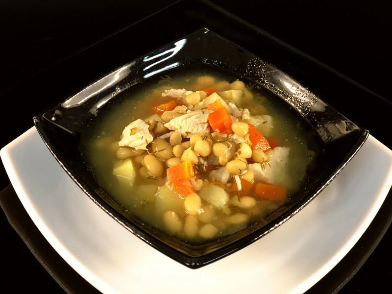 Суп с белой фасолью и курицей